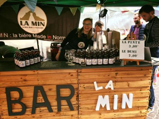 Bar (c) La MIN