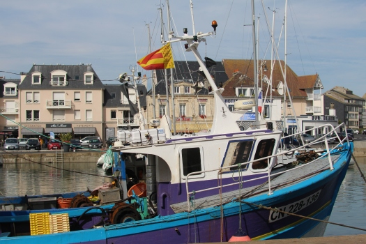 bateau-peche-courseulles ©OT Courseulles.JPG