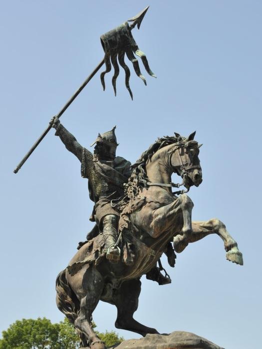 Statue Guillaume le Conquerant Falaise © Philippe Bosseboeuf Fotolia.com