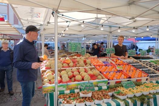 Evreux market © V. Joannon Normandy Tourist Board (10).JPG