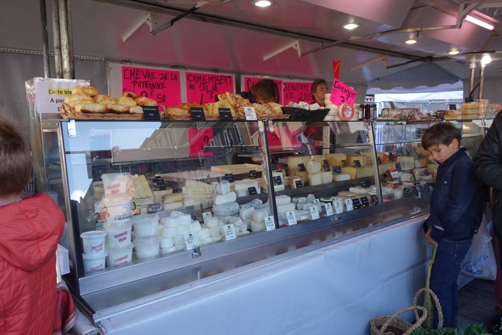 Evreux market © V. Joannon Normandy Tourist Board (2).JPG