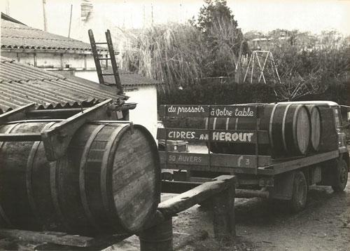 Ancien-camion-Cidrerie-Hérout
