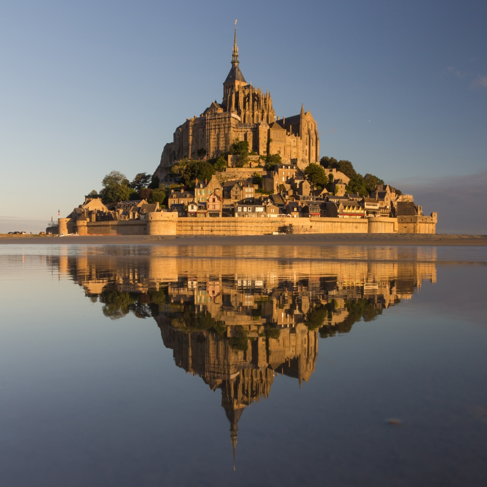 shutterstock_232576300-mont-saint-michel-in-france.jpg