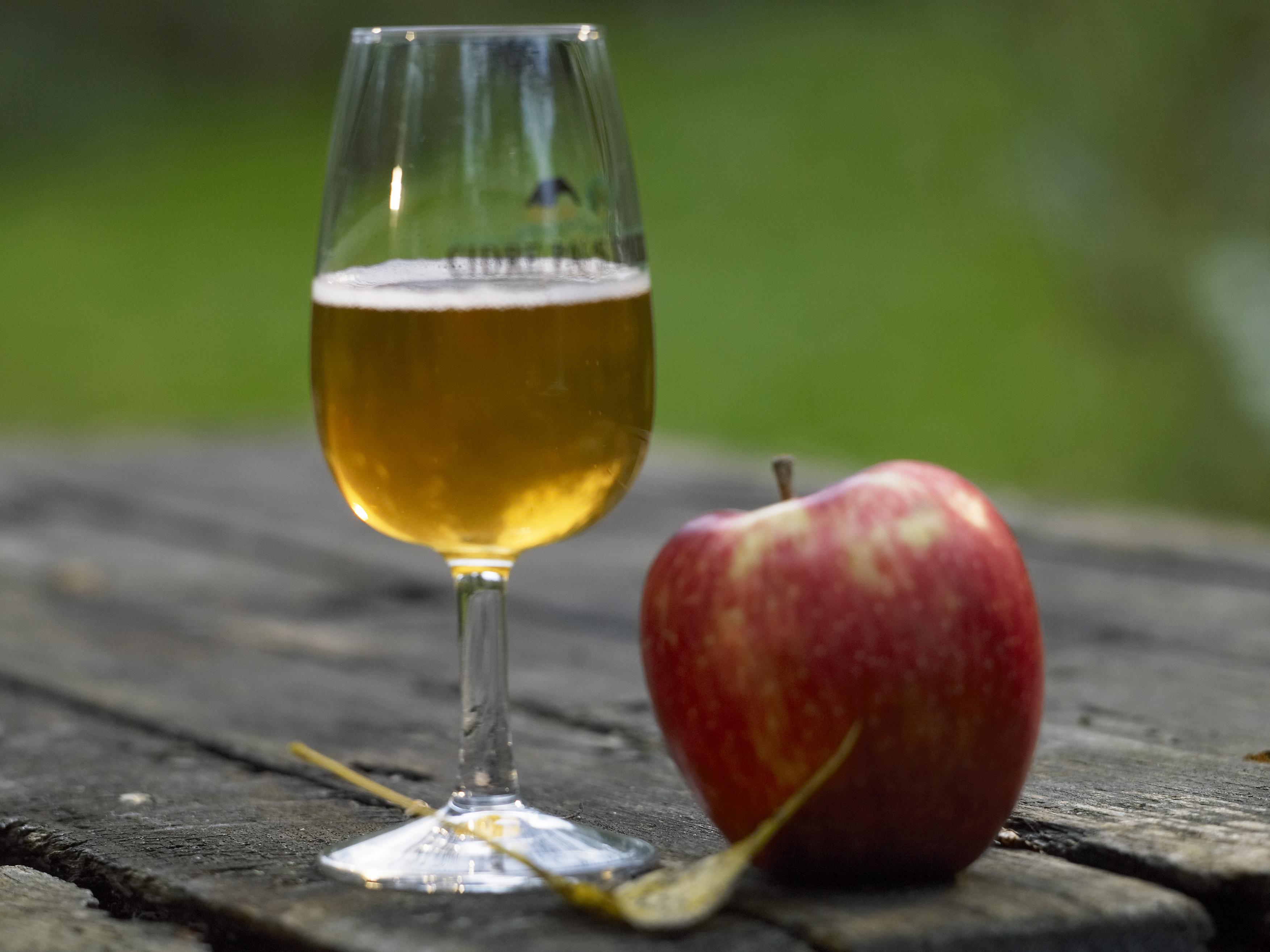 Alcool-Jean_Patrick_Gratien___Calvados_Attractivite